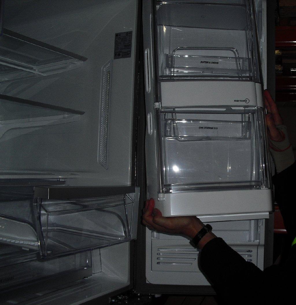 how to clean lg fridge shelves