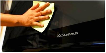 Limpie la pantalla del televisor con cuidado con un paño de micro-fibra seco.